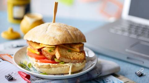 Brzi veganski burger