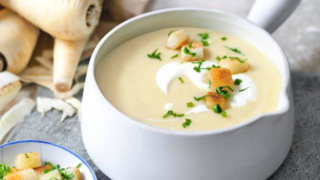 Krem supa od paškanata sa krutonima